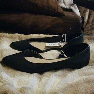 Mossimo Supply Co. Shoes - Nwt Mossimo ballerina flats